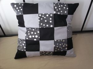 -14.2--Coussin-patchwork.JPG