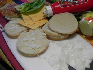 Cheese-Burger--2-.JPG