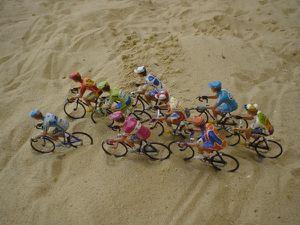 Cyclistes-sur-le-sable
