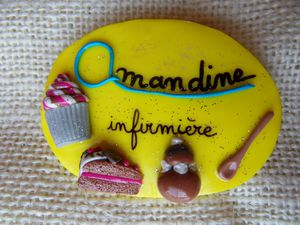 Badge jaune gourmandises AMANDINE