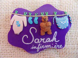 Badge étendage violet SARAH