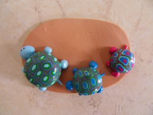 Badge fimo la famille tortue