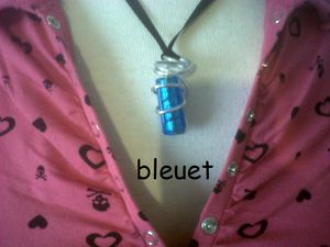 http://img.over-blog.com/300x225/4/35/35/73/creation-bijoux/bleuet-1.jpg
