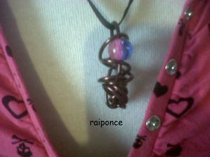 http://img.over-blog.com/300x225/4/35/35/73/creation-bijoux/raiponce-1.jpg