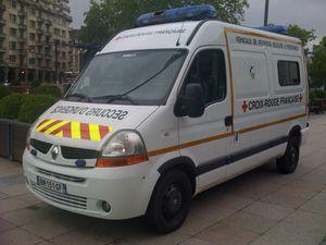 ambulance-croix-rouge-1.jpg