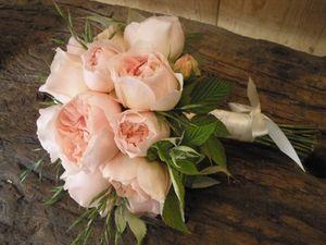 6d57add20c7144c4e5c75c945ce97cad_bouquet-mariee-5.jpg