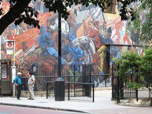 They shall not pass! Il murale che rievoca la Battaglia di Cable Street