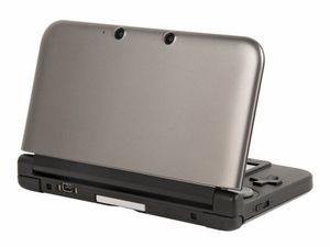 http://img.over-blog.com/300x225/4/51/97/67/nintendo-3ds-xl-back.jpg