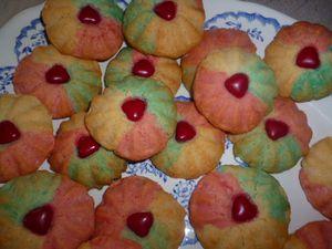 Biscuit-fleur-tricolores-a-la-noix-de-coco--5-.JPG