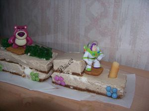 Gateau train toy story1