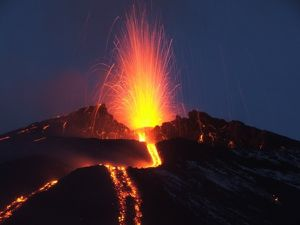 L-etna-en-eruption.jpg