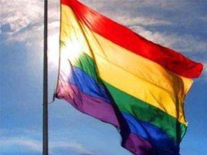 drapeau-gay-au-vent