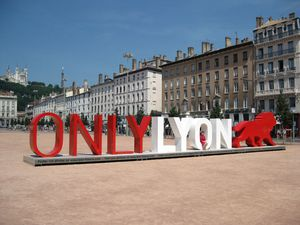 ONLYLYON-Sculpture-Place-Bellecour-Lyon-30.jpg