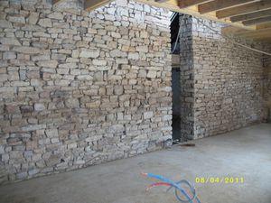sabler le mur en pierres apparentes le blog de la maison de kergoff. Black Bedroom Furniture Sets. Home Design Ideas