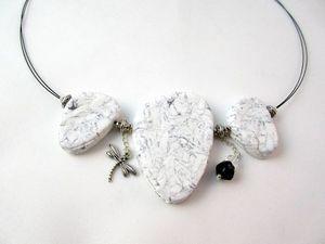 Collier-imitation-marbre-blanc-2.jpg