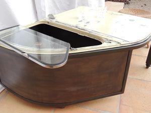 table basse giga cr ateur sur fer. Black Bedroom Furniture Sets. Home Design Ideas