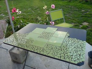 Table de jardin en mosaique le blog de presquetoutenrecup for Comment realiser une table de jardin en mosaique