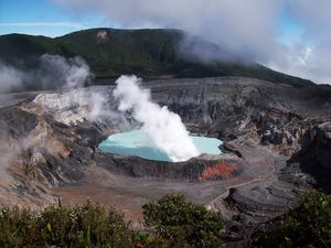 Poas_Volcano-1-.jpg