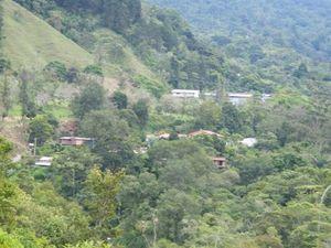 051 San Gerardro au loin