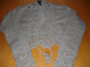 bolero-tricot-bordure-en-crochet.jpg