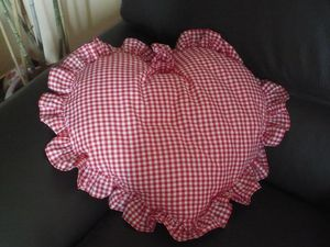 coussin coeur vichy rouge