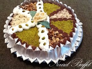 Gateau aux fruits secs et la cr me chantilly le buffet - Decoration gateau avec creme chantilly ...