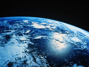 planete-bleue-earth_wallpaper-big.jpg