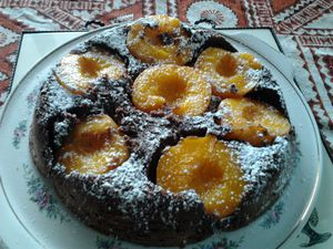 Gateau-chocolat-peches-2.jpg