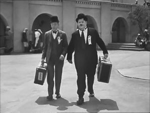 49750e-image-de-Laurel-et-Hardy-conscrits-1990-copie-1