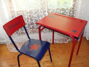 Ensemble Bureau Et Chaise D Ecolier Super Hero Lesideal Meubles