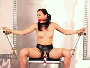 Perfect Slave - Ariel X Seated And Vibed