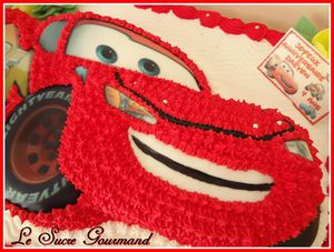 CARS GATEAU DETAIL