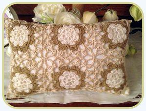 coussin-crochet-009.JPG