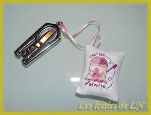 Pendouille ciseaux 1