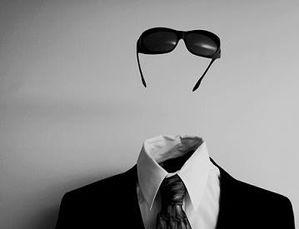 medium_homme_invisible_2.jpg