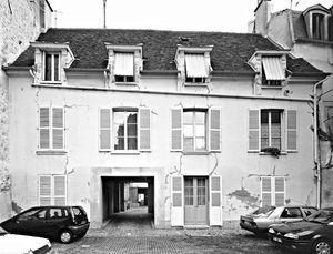 Façade sur jardin Hôtel des Comtes d'Auvergne 7 rue des Ecuyers Saint-Germain-en-Laye