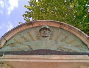 tuby monument 2