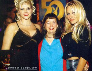 Anna-Nicole-Smith-Betty-Me-Page-Pamela-Anderson-Playboy-50t