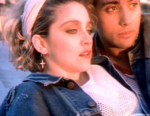 madonna-borderline-video-cap-0043