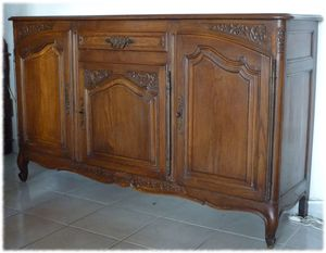 un petit buffet ancien repeint avec el onore d co el onore d co h rault. Black Bedroom Furniture Sets. Home Design Ideas