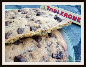 giant-cookie-toblerone