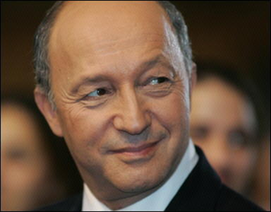 http://img.over-blog.com/300x234/1/19/53/86/laurent_fabius.png