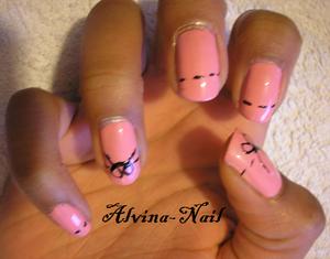 cousu-rose-noir2--Alvina-Nail.png