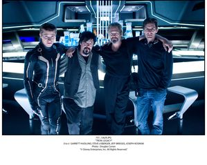 tron-legacy-movie-image-the-end-of-the-line-club-4