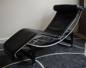 chaise longue le corbusier lc4 les passions de tom luminaire et meuble design vintage. Black Bedroom Furniture Sets. Home Design Ideas