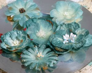 Chantilly Blooms blue