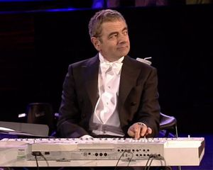 mr-bean-rowan-atkinson-london-olympics-opening-ceremonies.jpg