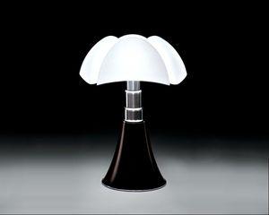 lampe pipistrello de gae aulenti nu skin world. Black Bedroom Furniture Sets. Home Design Ideas