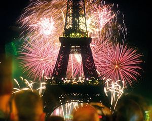 reveillon-paris.jpg