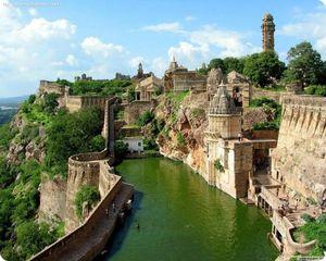 Fort-Chittorgarh.-Rajasthan--Inde.jpg